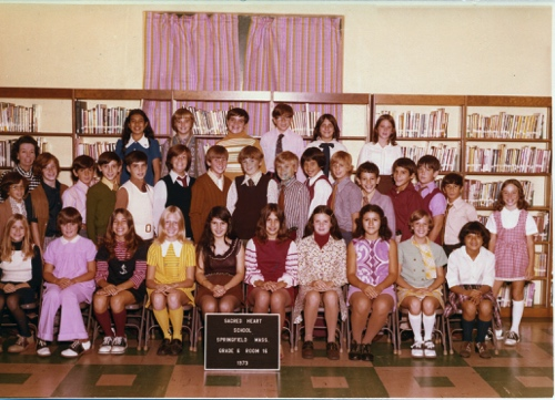 Sacred Heart 1973 6th grade.jpg